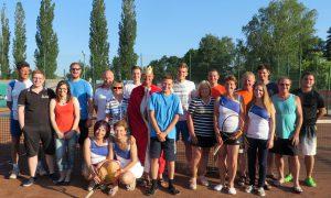 Die Teilnehmerinnen und Teilnehmer des Mascherlturniers